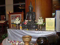 ソンクラーンの仏壇