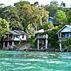 イボイの海沿いのバンガロー