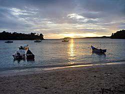 イボイの海岸の夜明け