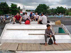 屋根の上が乗客の席