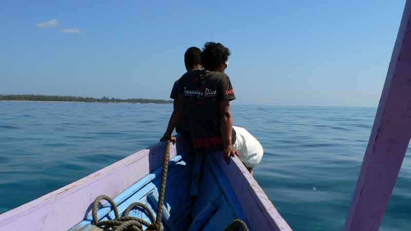 ギリで雇ったシュノーケリングボート