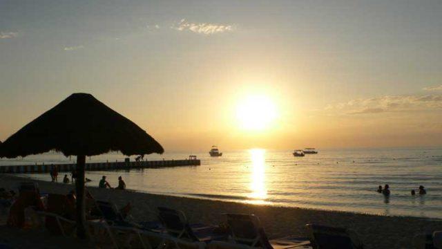 コスメル島の夕日