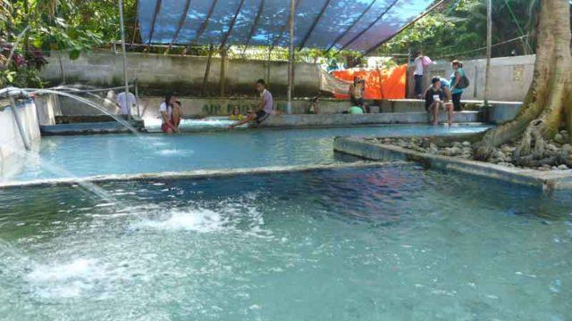 インドネシア アンボン島 温泉