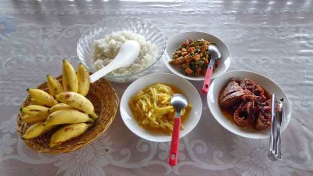 リサールバハリの昼ご飯