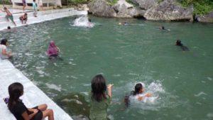 サワイ村の泉