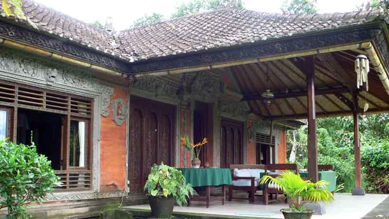 インドネシア バリ島のイセのロスメン